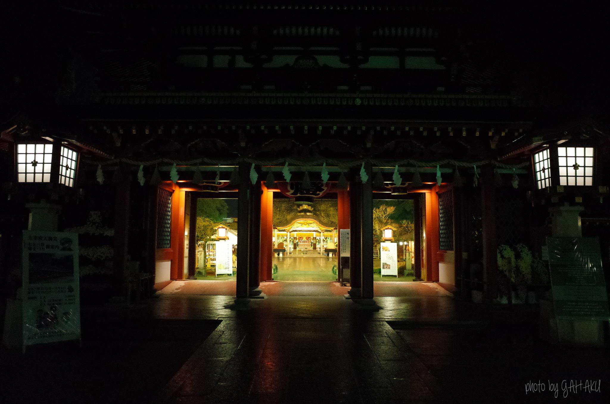 夜の神社 Ricoh GR