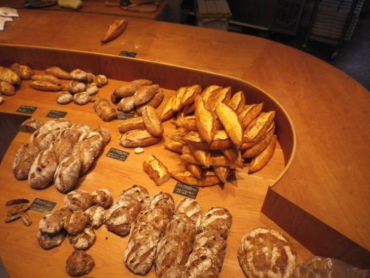 福岡パンストックさんのハード系のパン